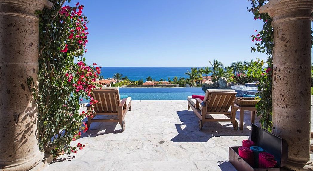 Find homes in Palmilla beach